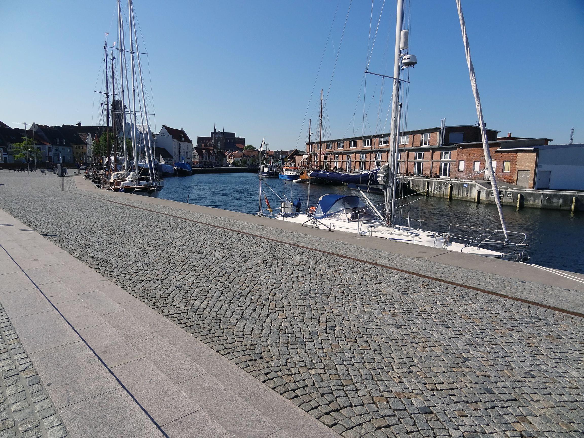 """""""Alter Hafen"""" in Wismar"""