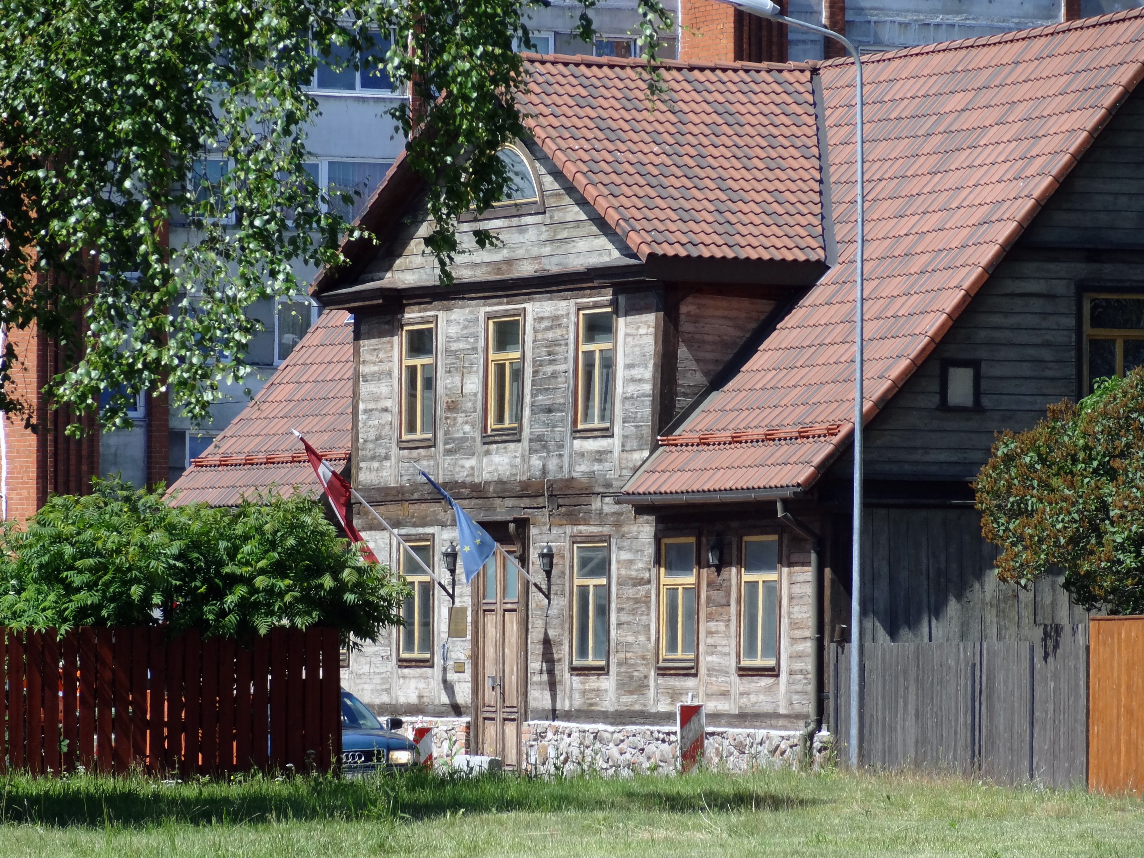 Traditionelles Holzhaus in Lieoaja