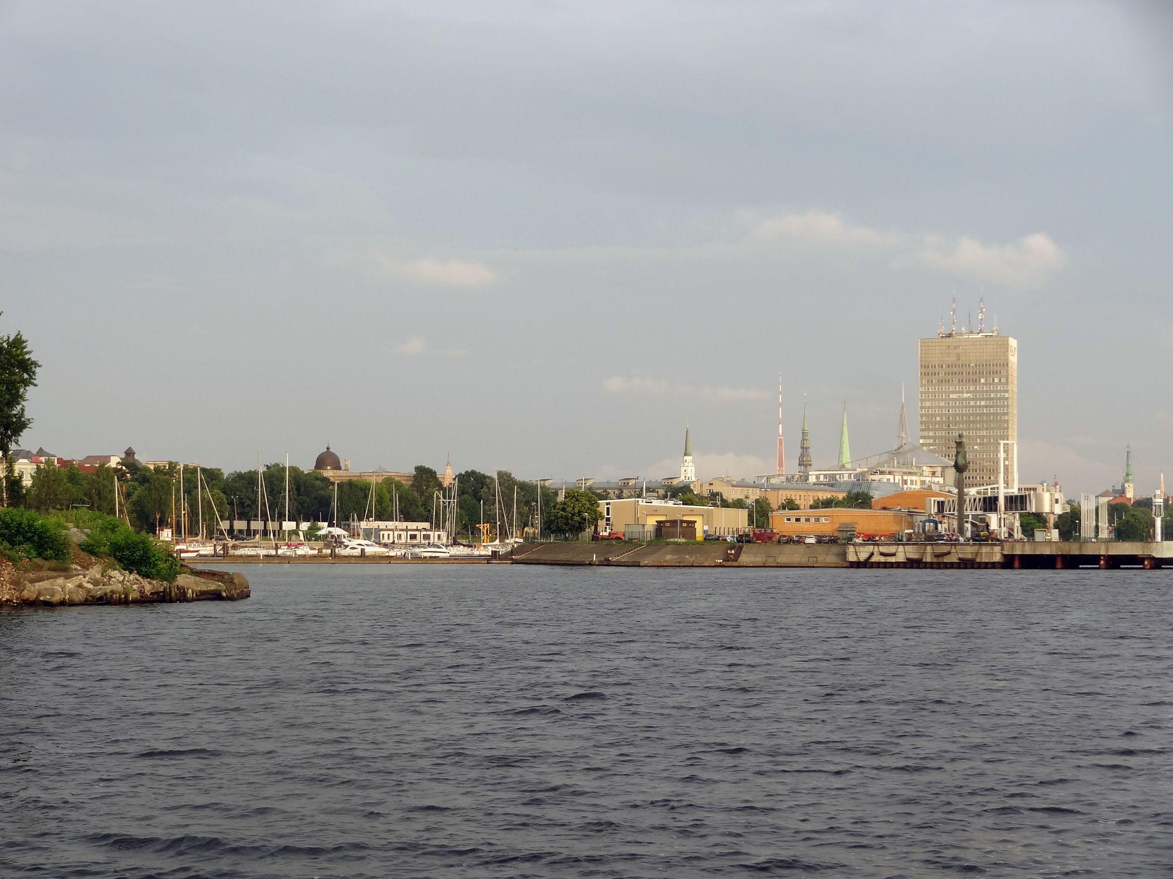 Hafeneinfahrt Andrejosta - Hafen in Riga