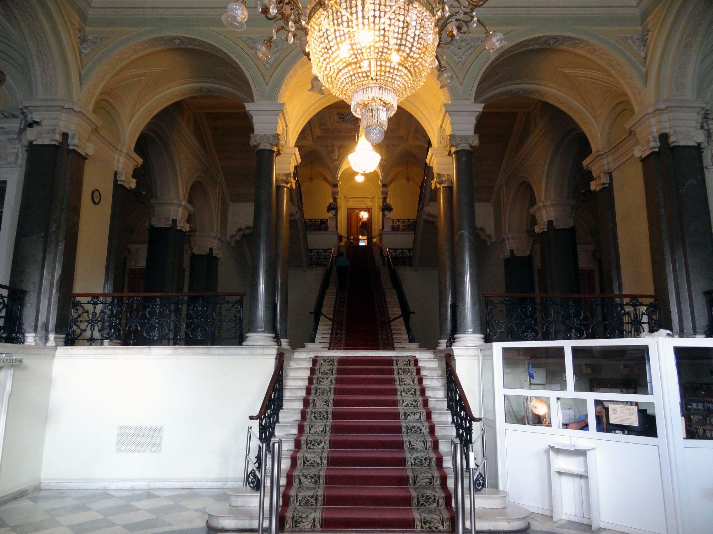 Freitreppe im Nikolai-Schloss
