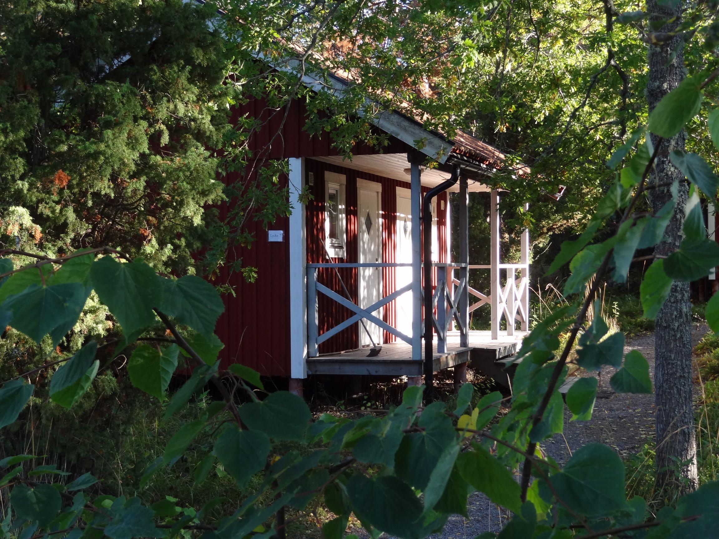 Kleine Holzferienhäuser auf St. Jolpan