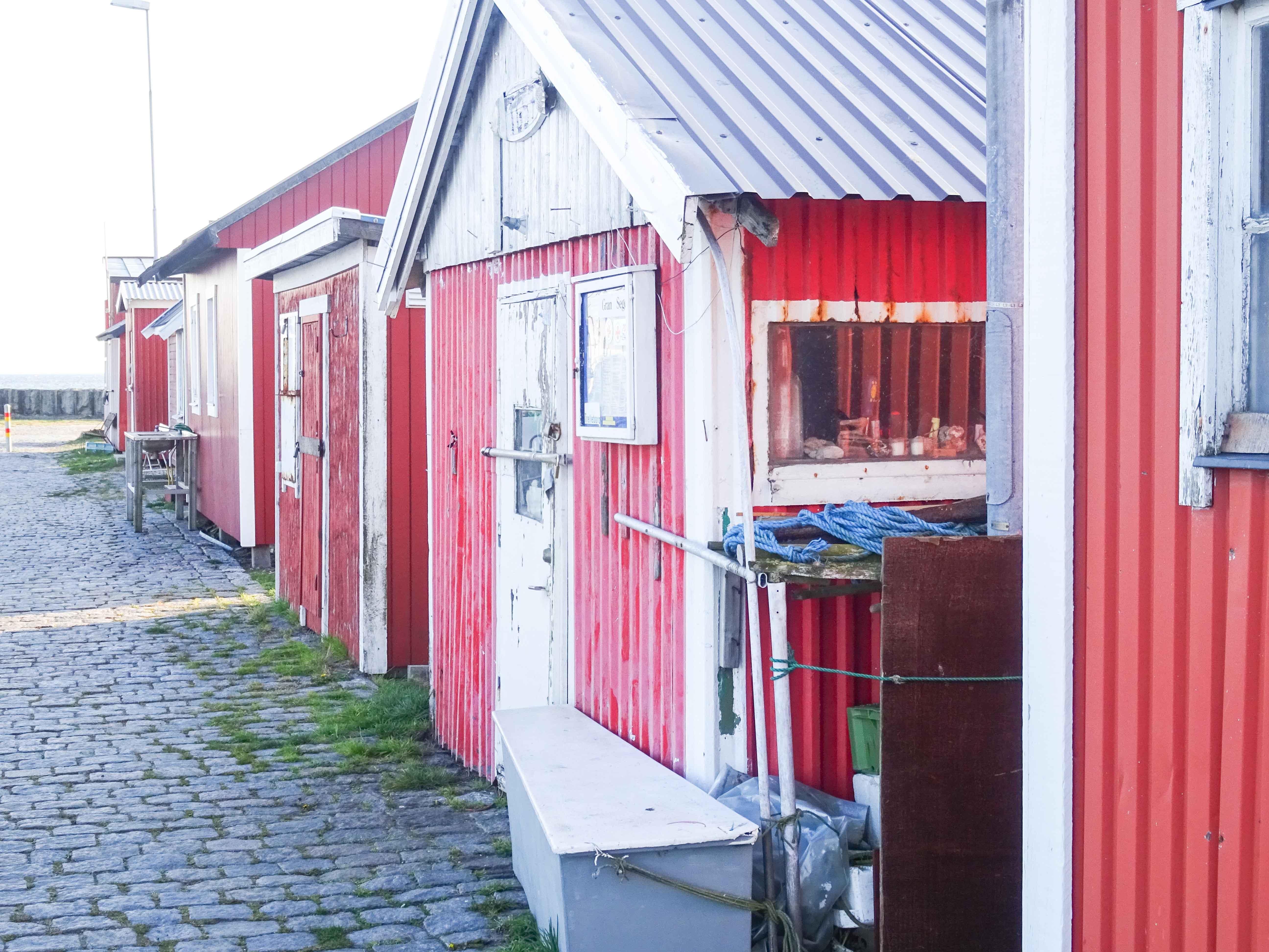 Fischerhütten am Hafen