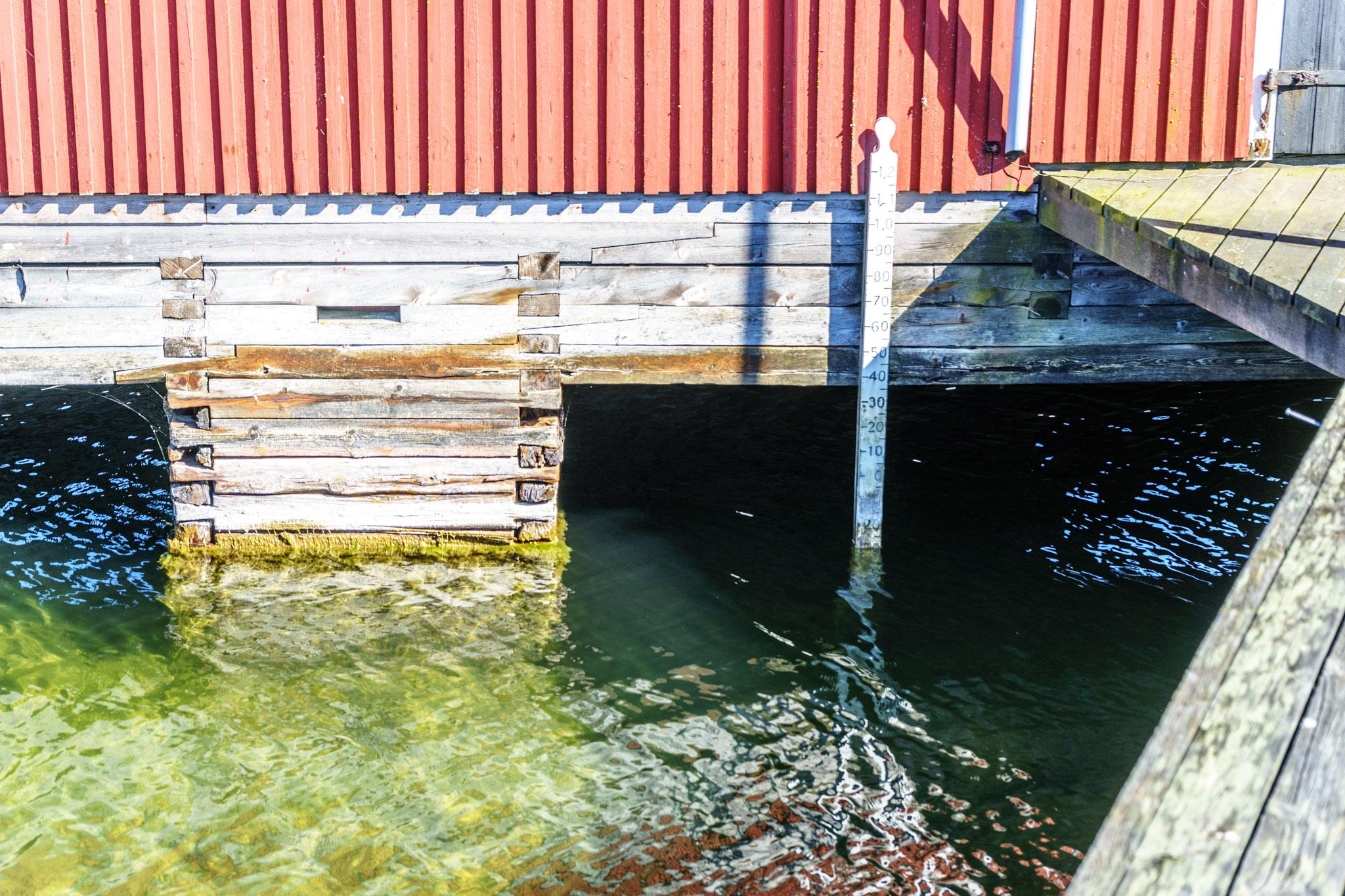 Wasserstandsanzeiger - 30 Zentimeter unter Normal Null - gut zu wissen!!!