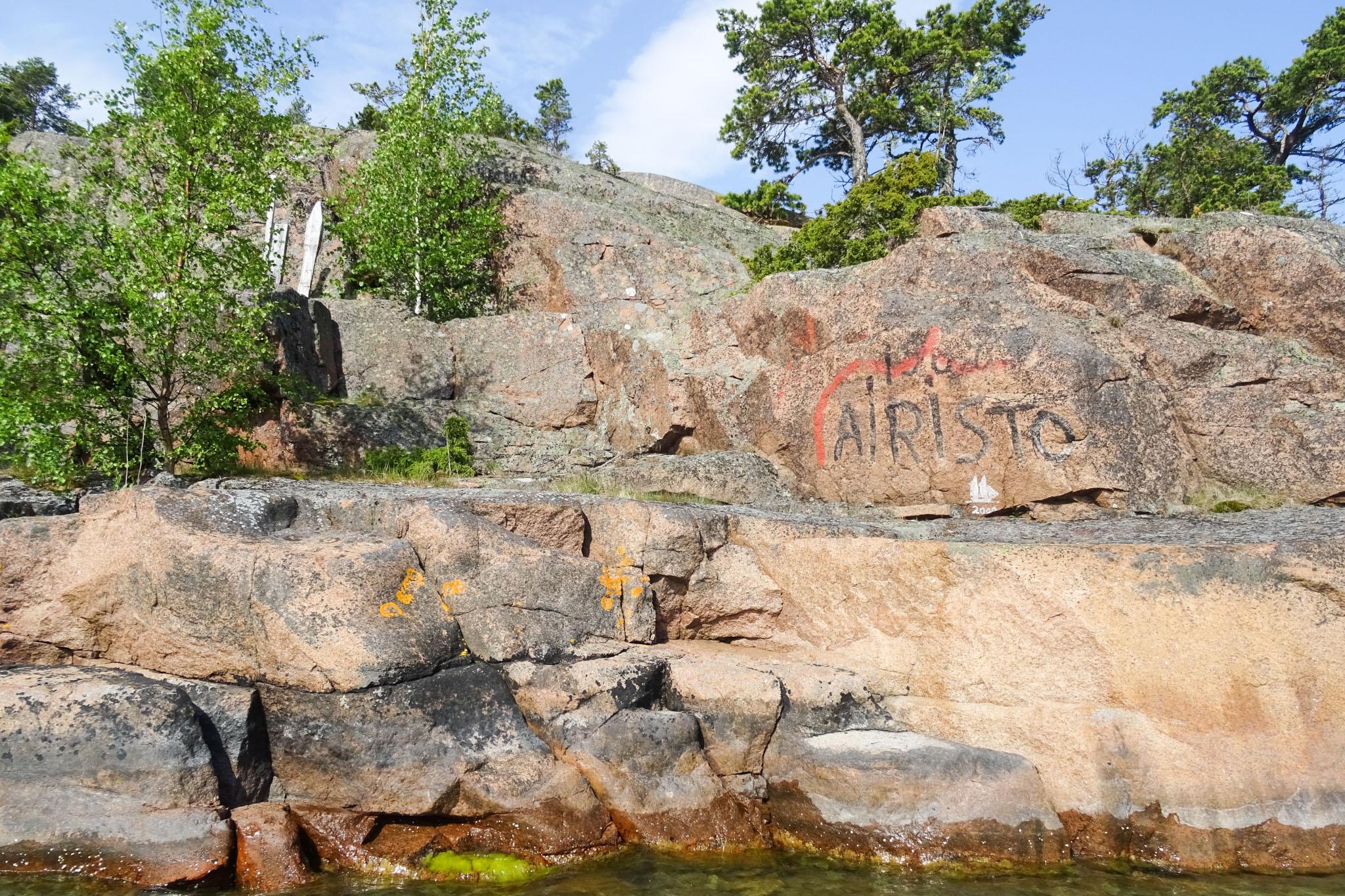 Felsliegeplätze mit Markierung und Signatur