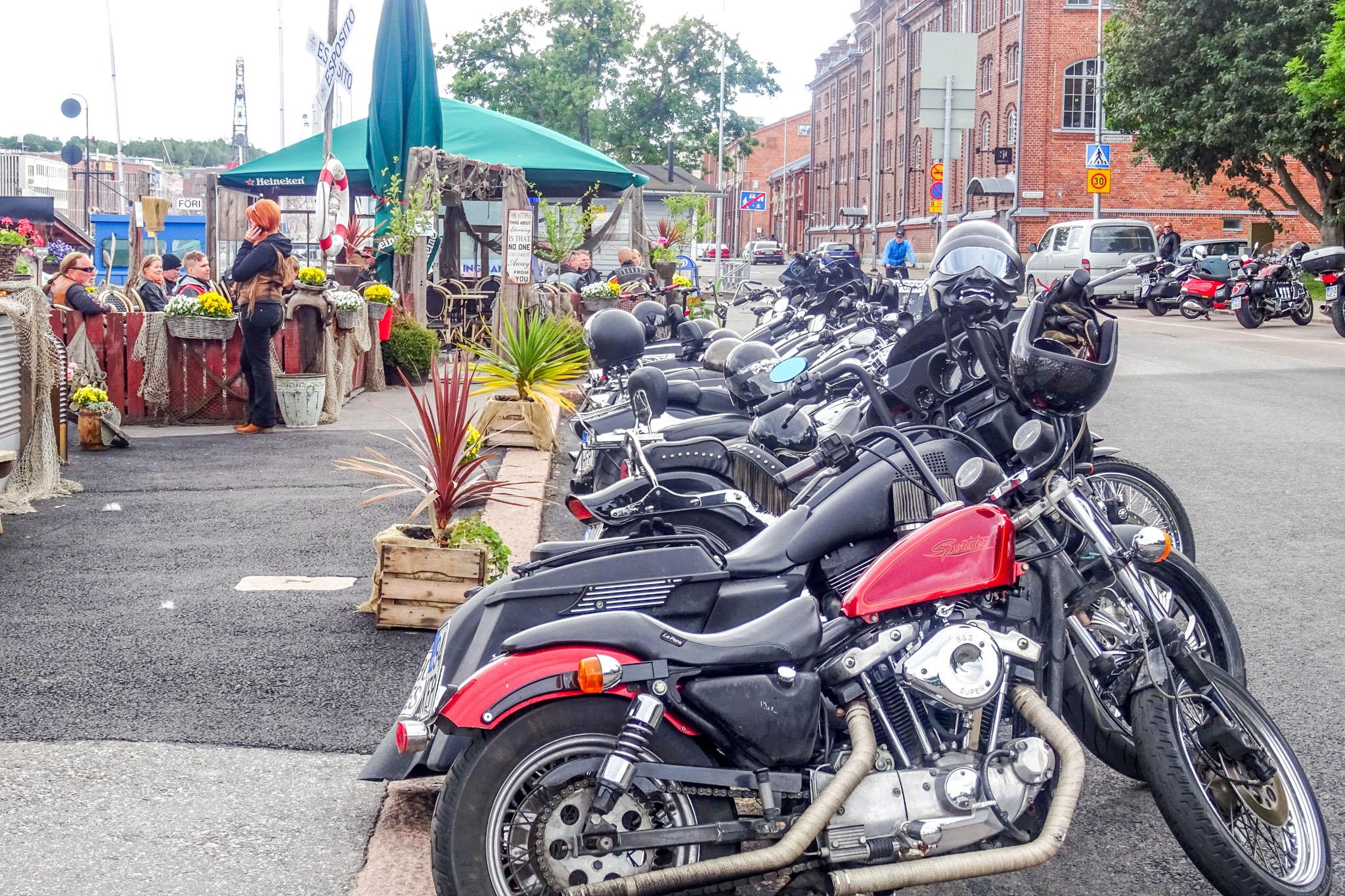 Biker - Treff im Hafen