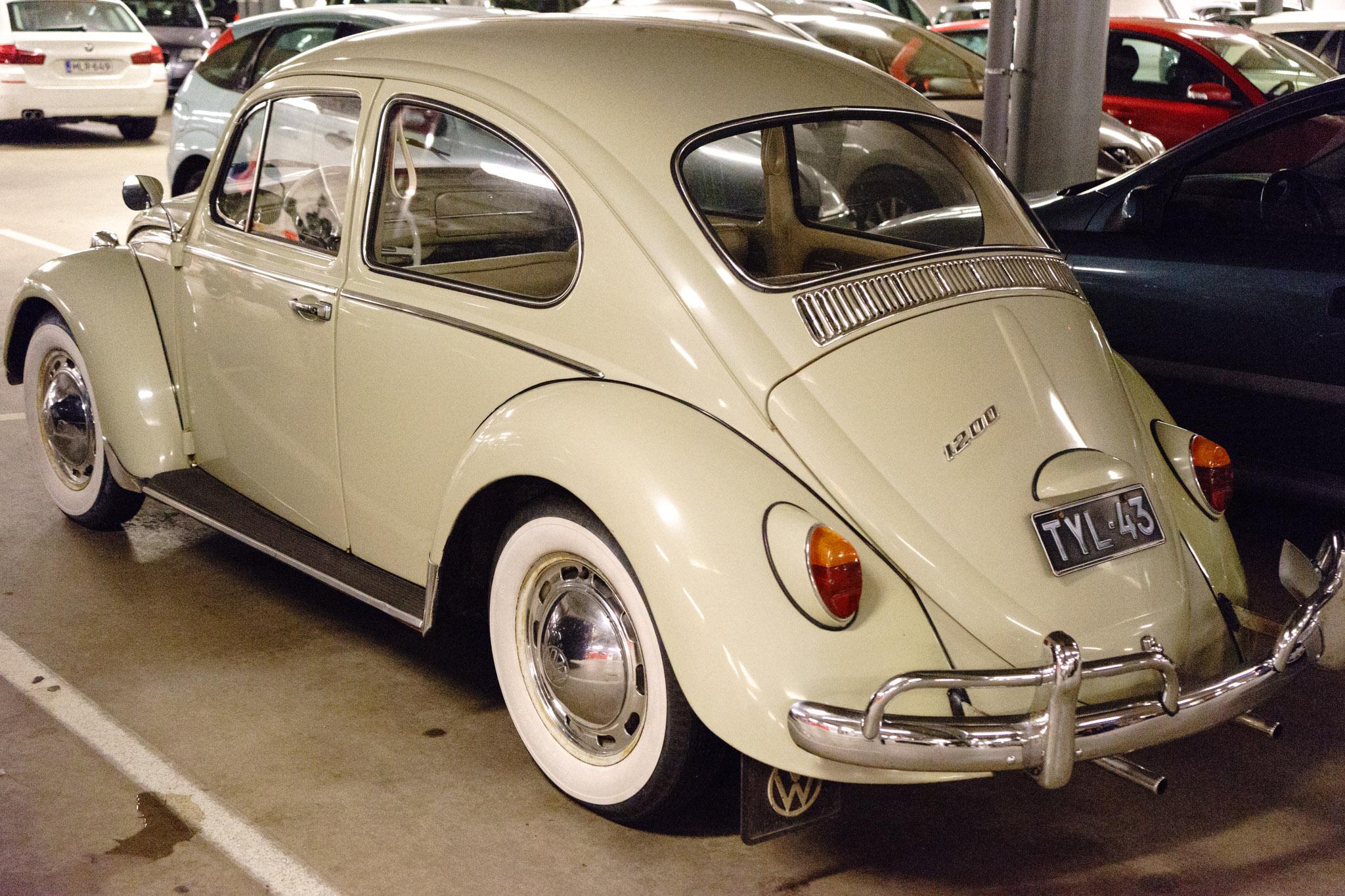 VW Käfer mit Weißwandreifen ....