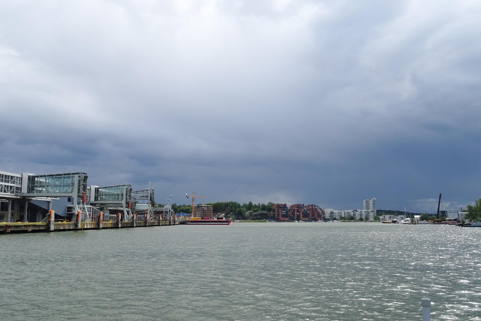 Dunkle Wolken über Turku ...