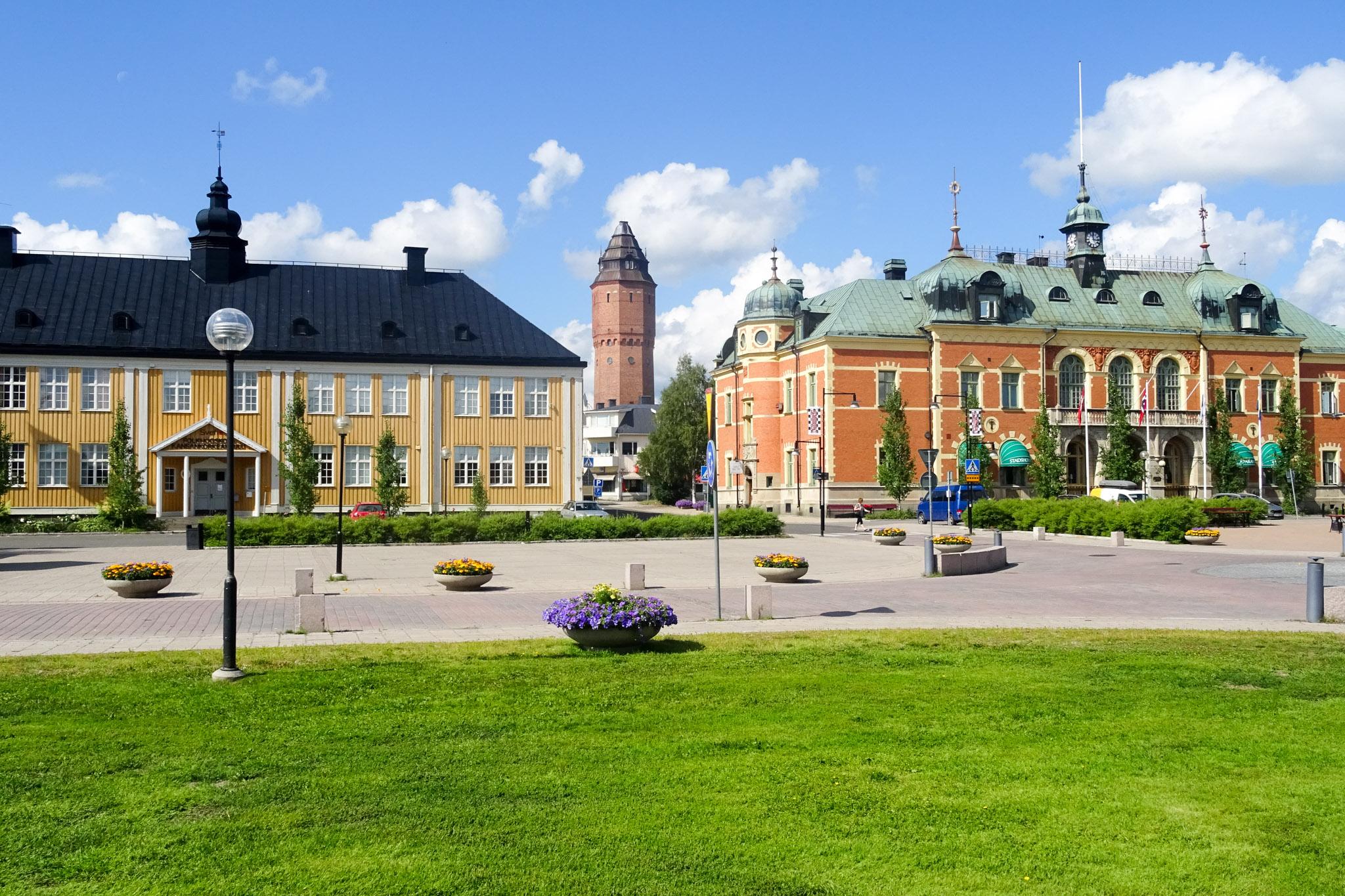 Haparand mit Wasserturm, Volkshochschule und Stadthotel