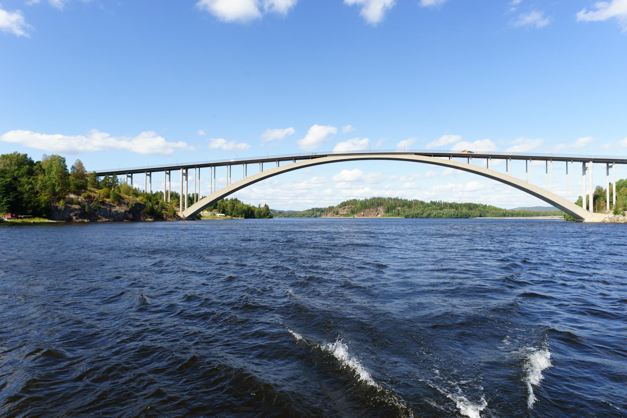 Noch eine Brücke im Fjord