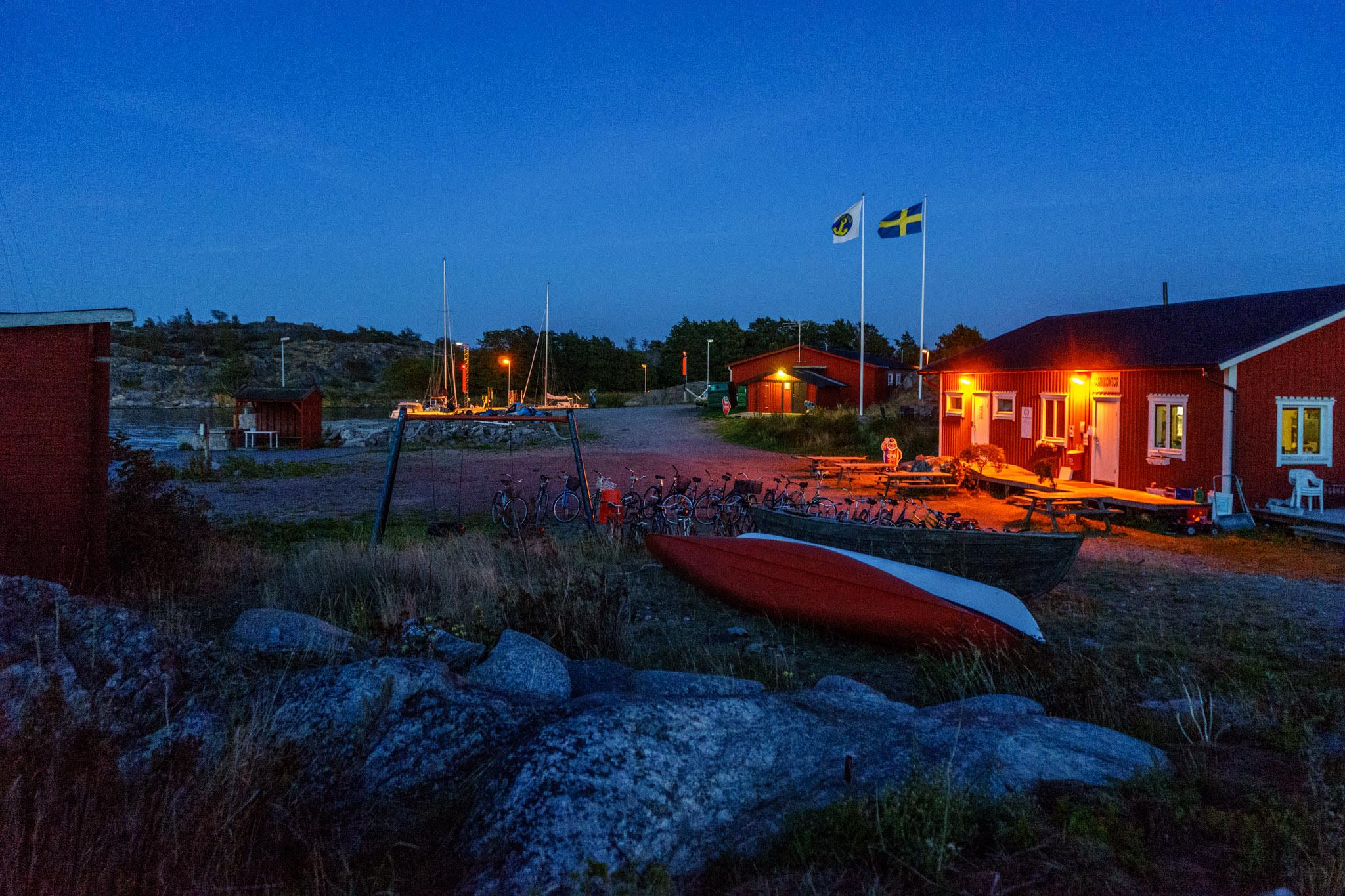 Hafen Landsort bei Nacht
