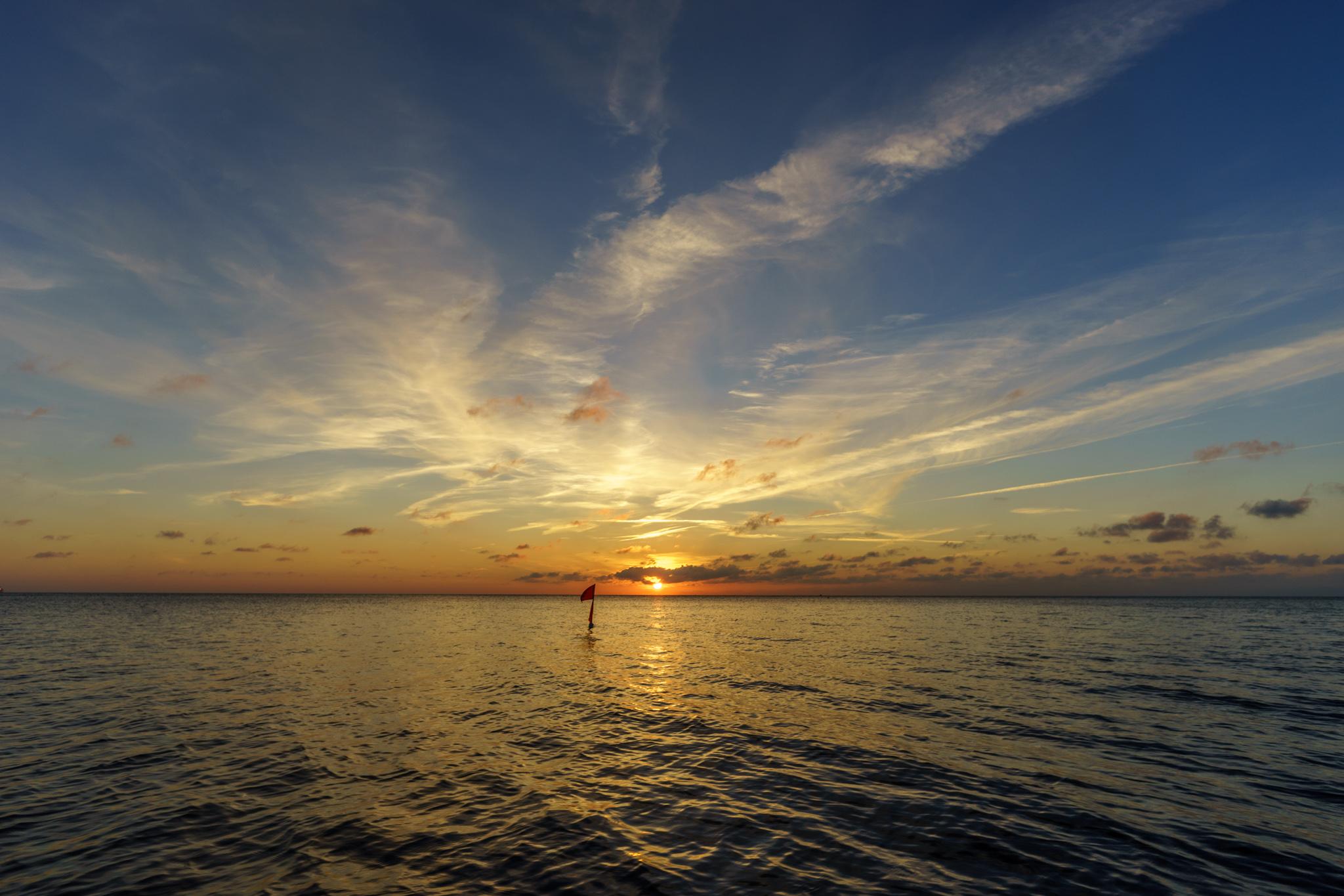 Im Sonnenuntergang sehen selbst Fischerfähnchen schön aus