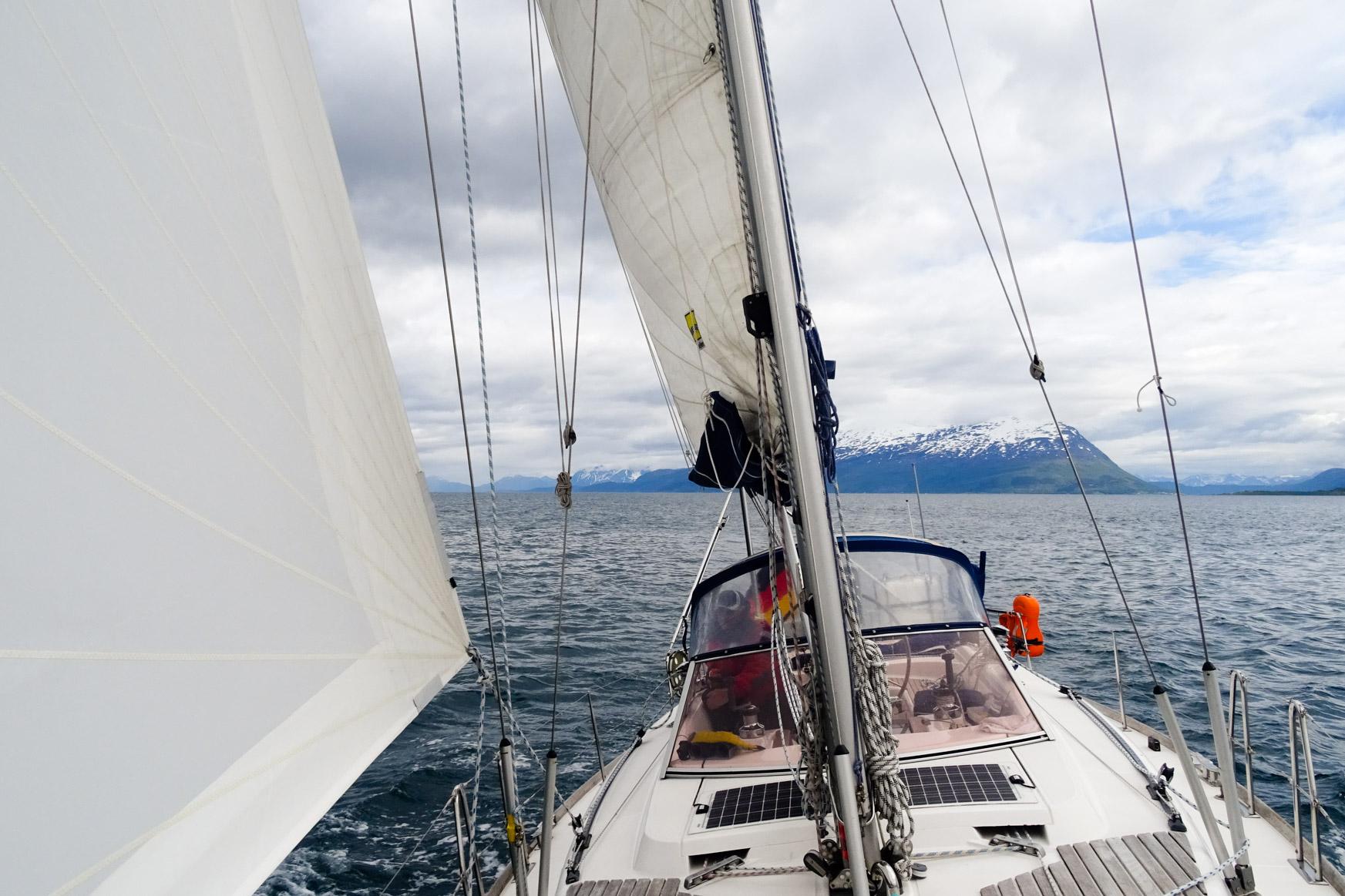 Auf Kreuzkurs im Lyngenfjord