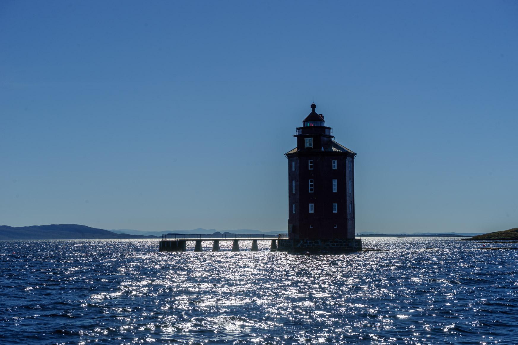 """Leuchtturm """"Das Hochhaus"""" jetzt in der Sonne"""