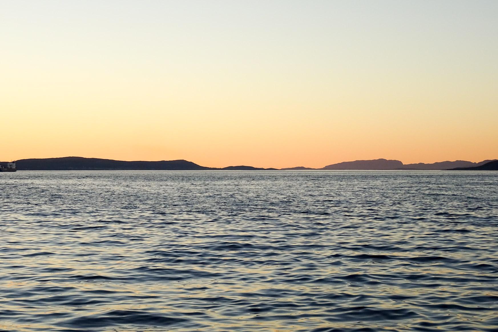 Sonnenuntergang im Trondheimsfjord