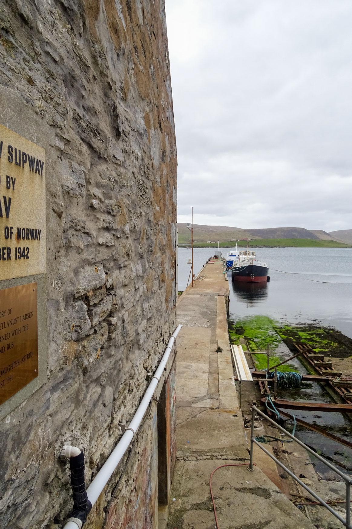 Alter Pier aus Zeit des Shetland Bus Unternehmens