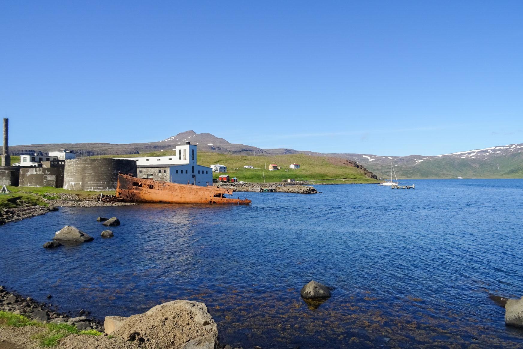 Alte Heringfabrik in Djúparvík