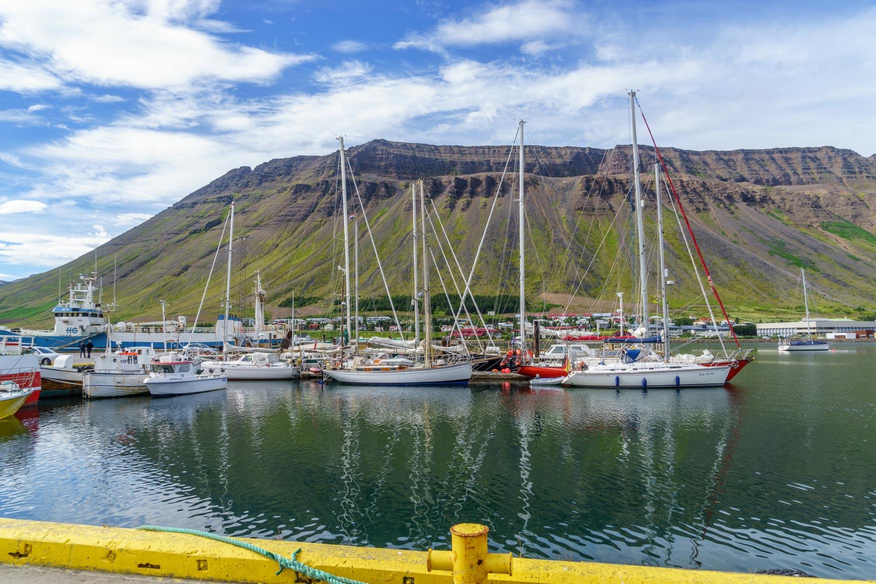 Hafen von Isarfjörður