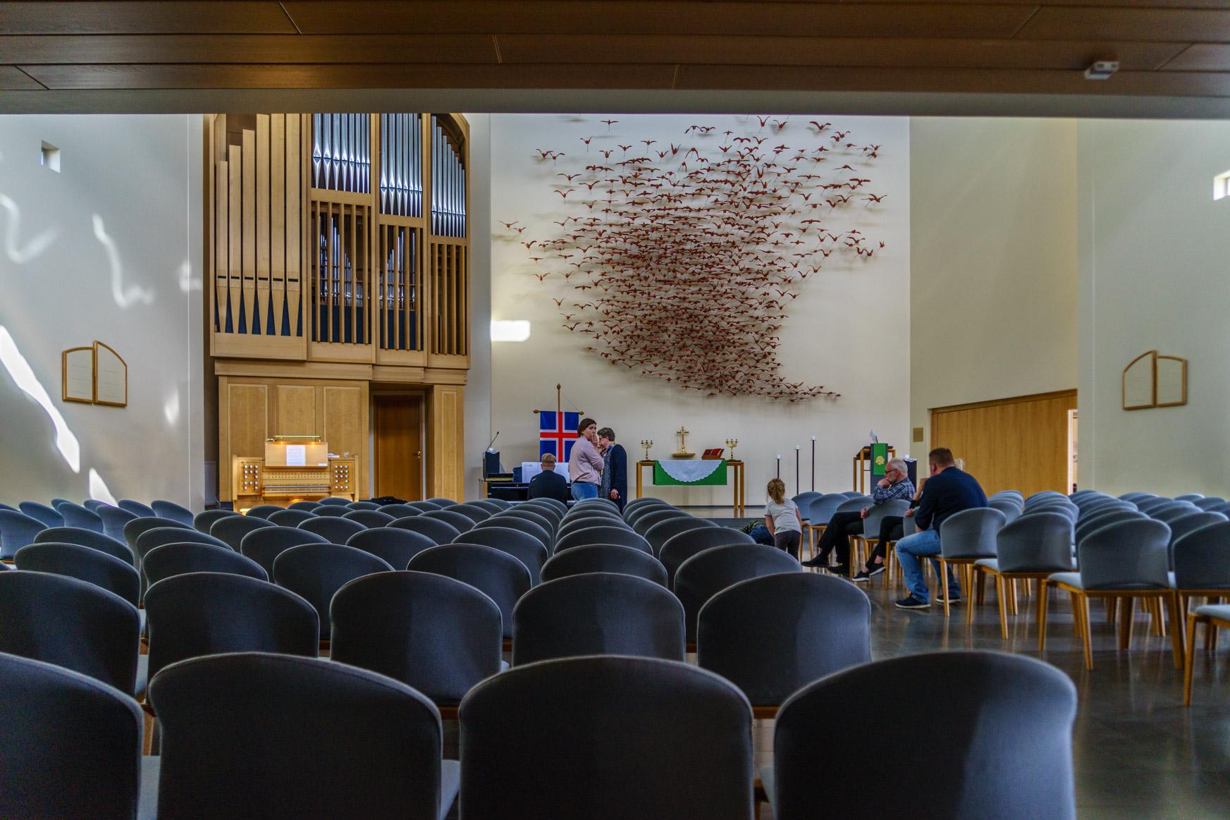 Orgel und Altarbild