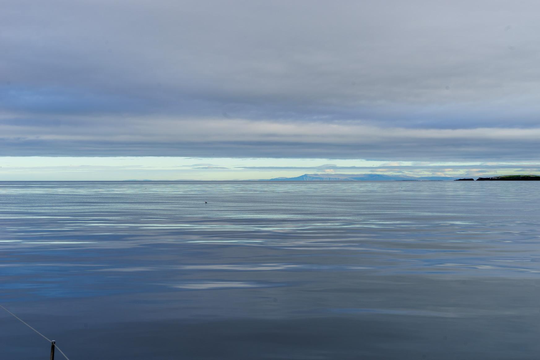 Still und starr ruht die See